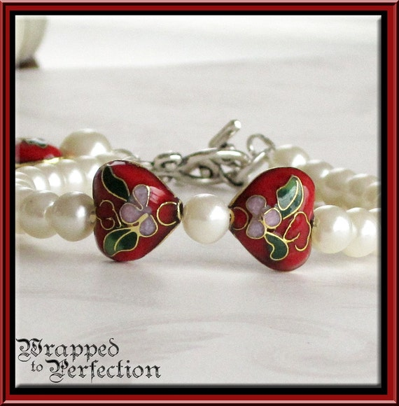 Pearl & Red Cloisonne Hearts Bracelet / Valentine Anniversary Romantic Asian / 8mm Faux Pearls