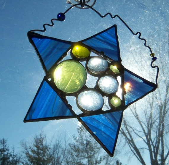 SaLe StAiNeD GlAsS ArT SuNcAtChEr FoLLoW YoUr StAr in BlUe and YEllOw