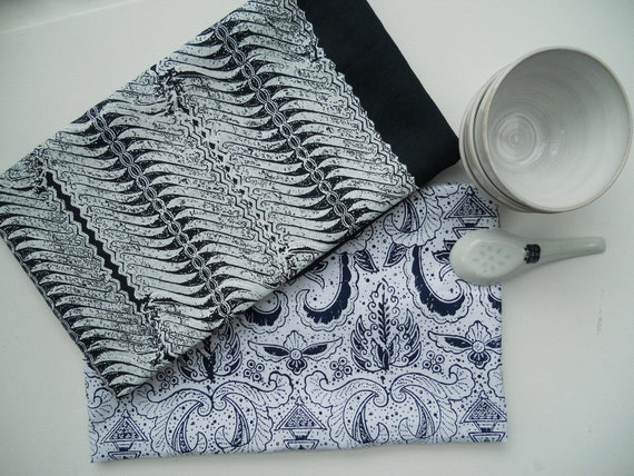 Set of two linen tea towels Indigo Waves and Snowy white Wings