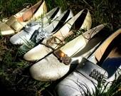 Fairy Tale Vintage Gold Lurex Sparkle Shoes. Ornate Fancy Golden Buckle. Women's Size 9