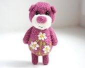 Lilac pocket bear with daisies 1