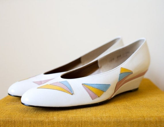 Vintage 1970s SHERBERT White Leather Wedge Heels Sz 7-8
