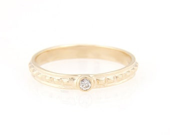 14k gold diamond pyramid band ring made in NYC