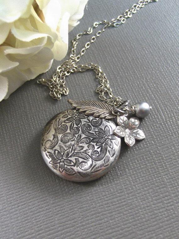 Ice Queen,Locket,Silver Locket,Flower,Pearl,Antique Locket,Filigree,Jewelry. Handmade jewelry by valleygirldesigns.