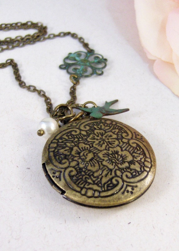 Naples,Brass Locket,Patina Locket,Flower,Woodland,Bird,Blue,Teal,Aqua,Patina,Virdigris. Handmade jewelery by valleygirldesigns on Etsy.