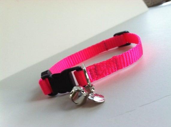 Cat Collar in Basic Hot Pink