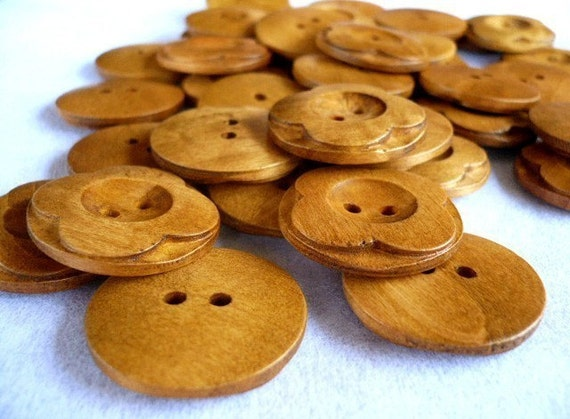 WB09025 - 30mm Round Flower Crafted Wooden Button, 30mm Round Flower Crafted Wood Buttons (4 in 1 set)