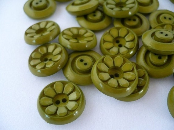 VB09013 - 15mm Green Daisy Vintage Button, Vintage Buttons (6 in 1 set)