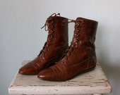 90's Granny Boots ... Vintage Brown Leather Lace-up Booties ... US size 7 1/2 M