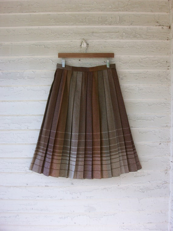 1970's Pleated Wool Skirt ... Vintage College Campus ... Medium