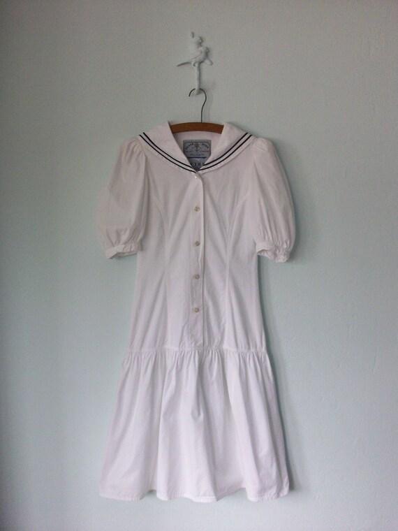 1980's Sailor Dress ... White Drop Waist Sweetheart Skirt ... Medium