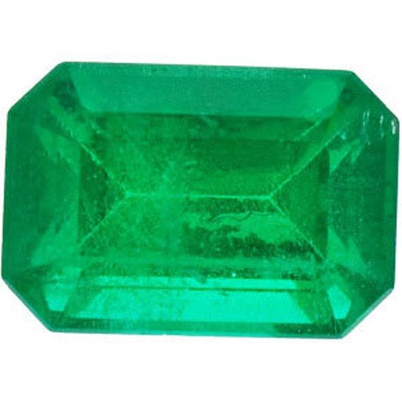 Emerald 1.00 carat Emerald Cut 7 x 5 mm AA Grade