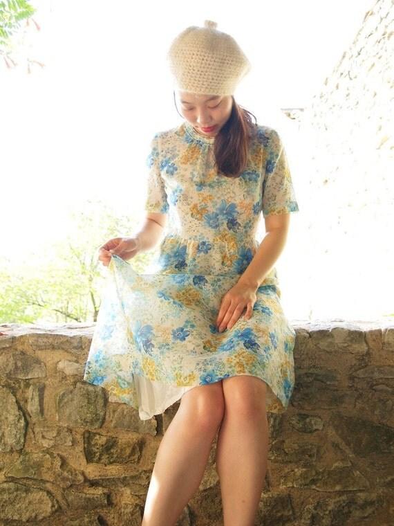 Vintage light summer dress, blue flowers, Japan, (x)xs
