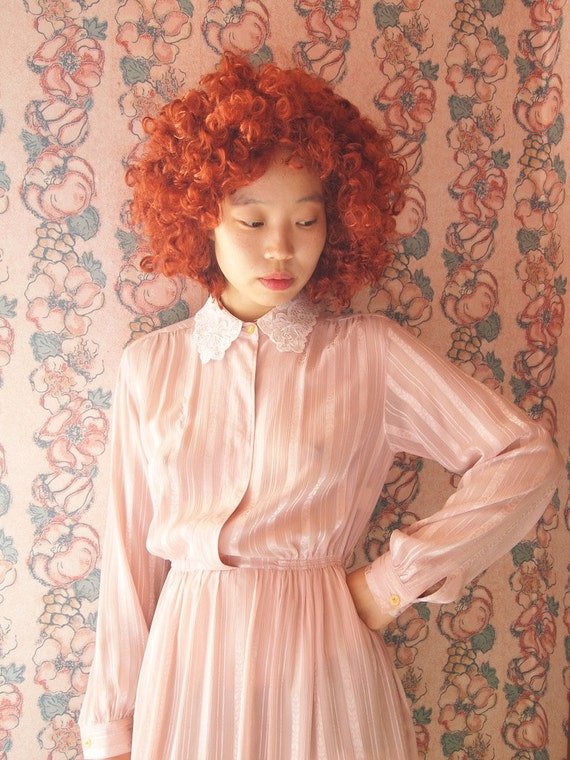 Vintage light pink dress with lace neck, xs - small, Japanese