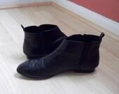 Vintage Black Leather Chelsea Boots Sz. 9.5M / 41 by Liz Claiborne