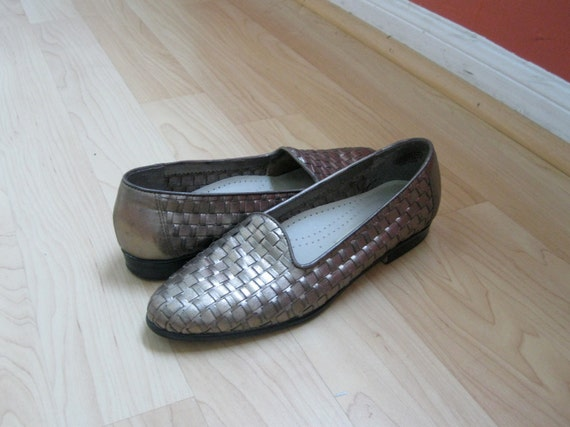 Vintage Metallic Gold Woven Leather Loafers Sz. 7.5 // 38