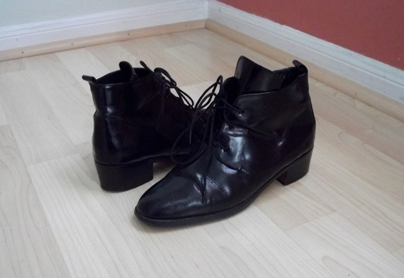 Vintage Black Leather Heeled Ankle Boots Sz. 8M / 38.5 by Anne Klein