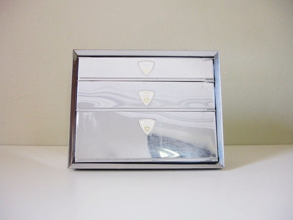 Kitchen Dispenser For Foil Wax Paper And Paper Towels