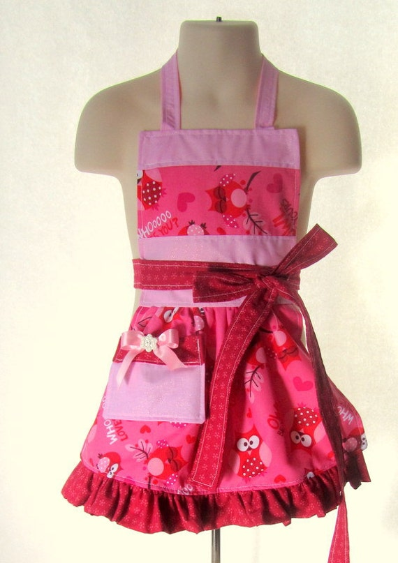 Apron for your cook with initial applique (now adults too) - pink love owls