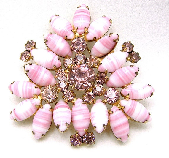 Vintage Rhinestone Juliana Brooch With Pink & White Candy Striped Art Glass Marquise Navettes