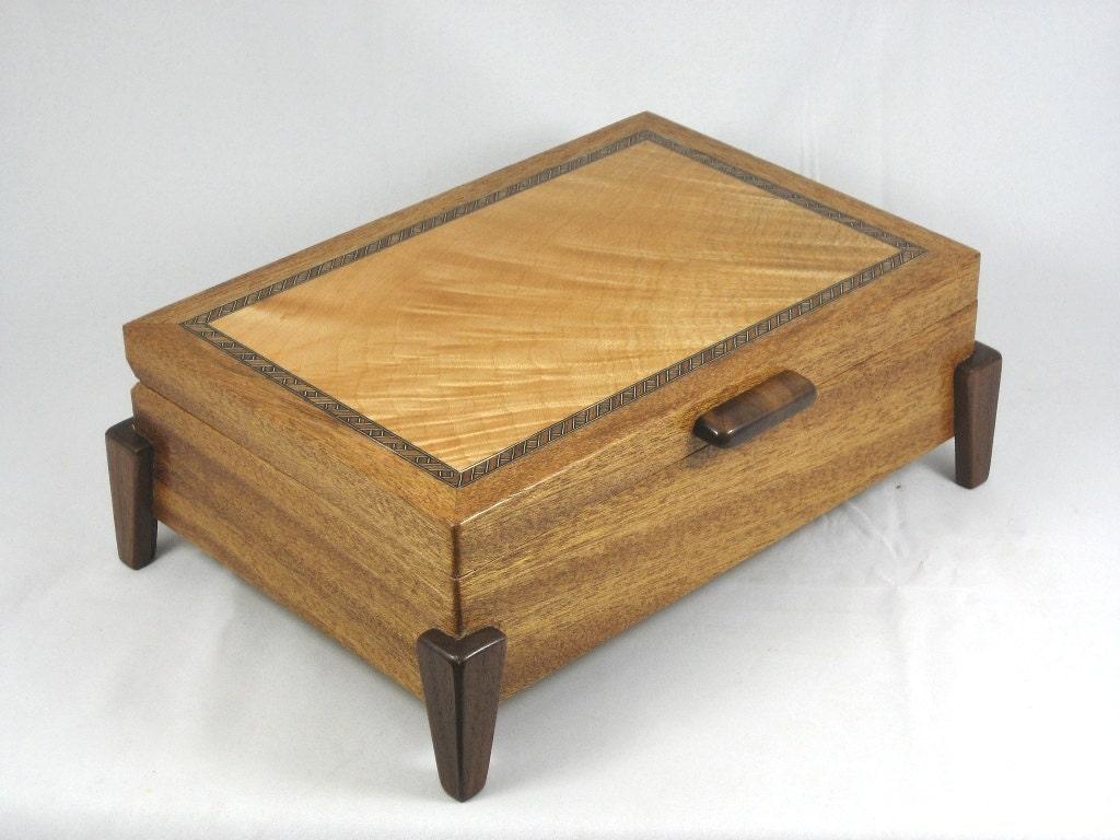 Wooden Keepsake Box Mens Valet Box Mahogany With Lace Maple