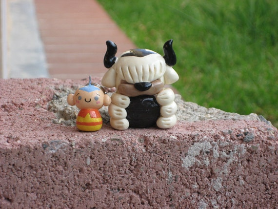 Avatar the Last Airbender: Aang charm and Appa figure