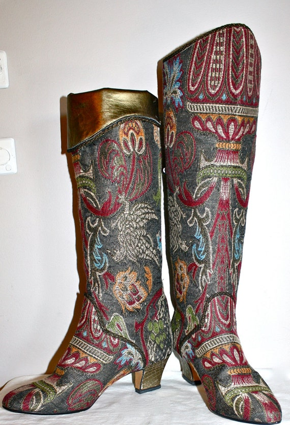 Regal Vintage ANNE KLEIN COUTURE Tapestry Edwardian Boots 7M