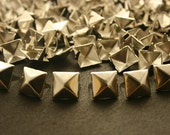 100 pcs. Silver Pyramid Studs Rivets Punk Rock Decorations Findings 11 mm. CKSPN11