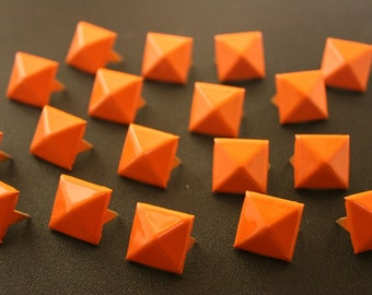 50 pcs. Orange Pyramid Stud Biker Spikes spots nailheads 14 mm. CK1C141