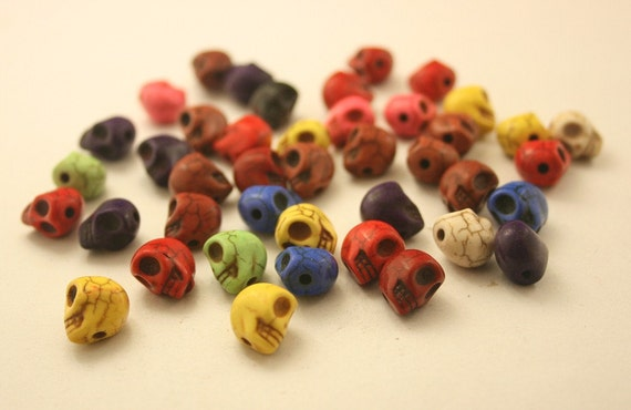 40 pcs. Tiny Colourful Skull Head Beads Charms Decorations Findings. SPB40