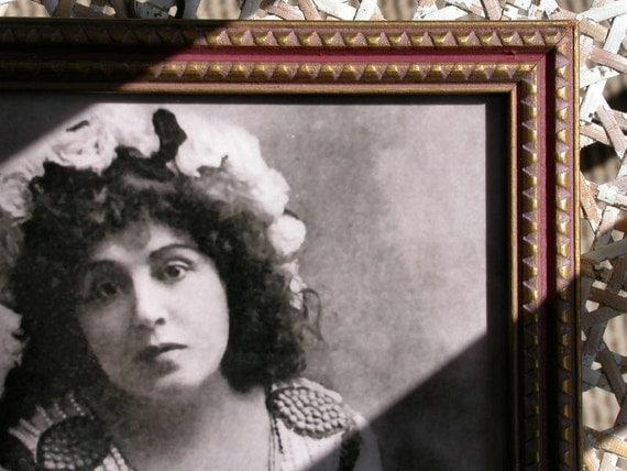 Photo of Broadway Stage, Silent Movie Actress Viola Allen in Antique Frame Gold & Dark Pink