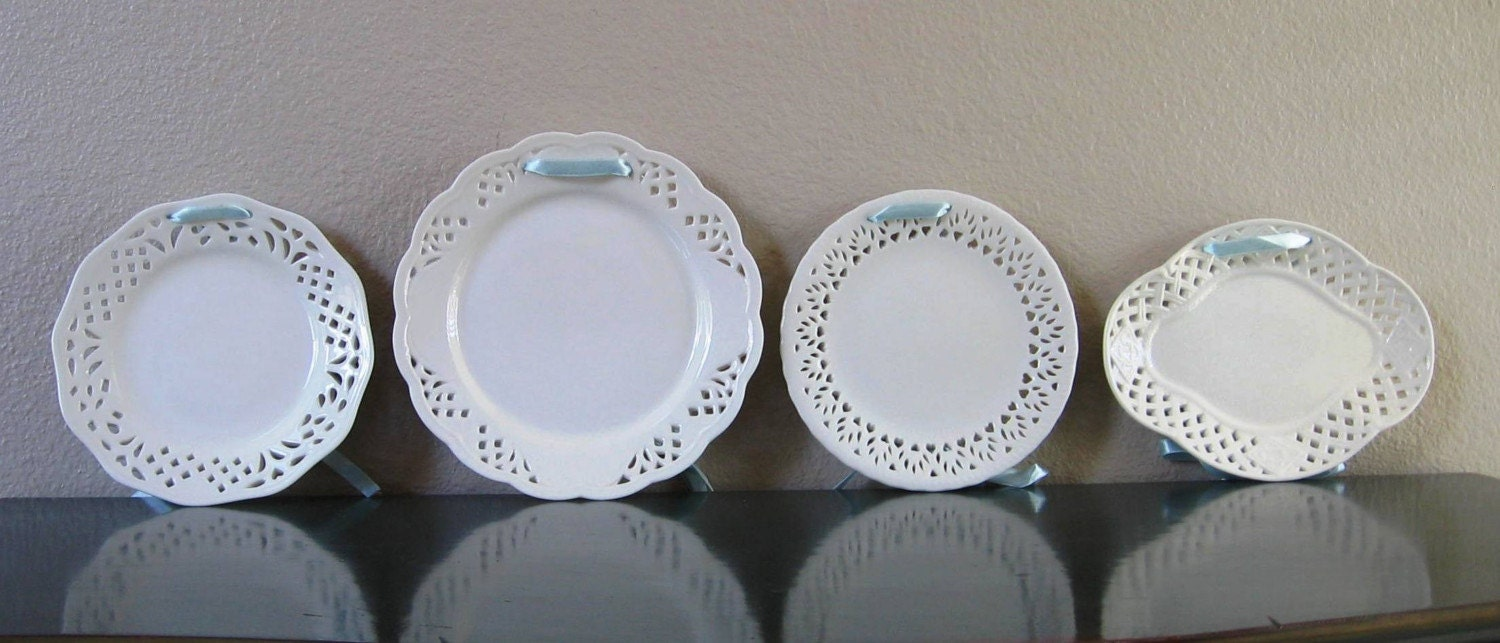 Decorative Wall Plates Set Of 4 : Set of four white decorative hanging plates by bayroad