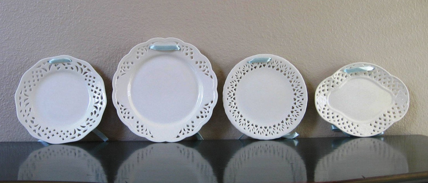 Decorative Wall Plates For Hanging: Set Of Four White Decorative Hanging Plates