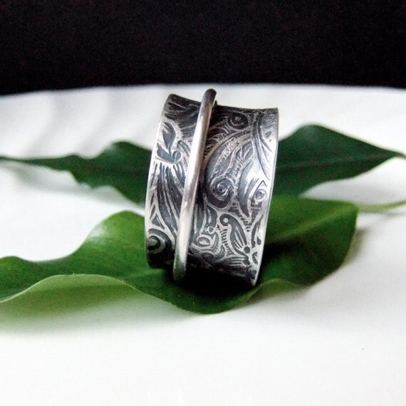 Silver Spinner Ring in sterling silver with Floral Textured