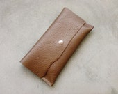 Basico collection - travel purse in toast brown leather