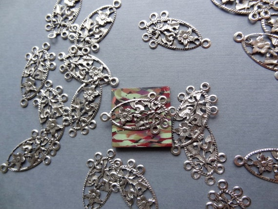 60 Pieces. Filigree Flower Tiny Findings. 60 PCs CH5