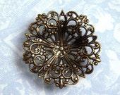 Antique brass filigree button setting, brass stamping (1)  - AL183
