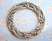 2 - Antiqued silver plated round berry setting frame - GT134