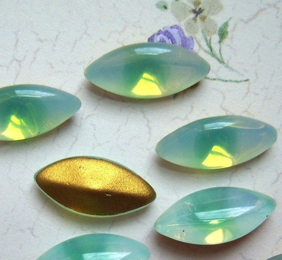 Vintage West German Sabrina Green opal 15x7mm Navette rhinestone jewel lot of (12) - SN144