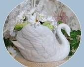 Vintage Swan Decor White Swan Planter Vase Cottage Chic Bird Figurine Porcelain Bird Ceramic Planter Pot Collectible Planter Bowl Plant Pot