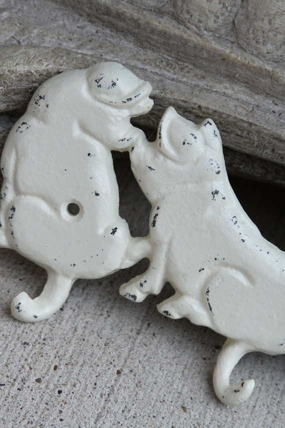 Four Piggy Wall Hook, Cast Iron, Ivory, Distressed, Shabby Chic