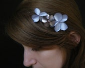 FLORAL HAIR COMB, silver lilac color flowers made of leather and satin