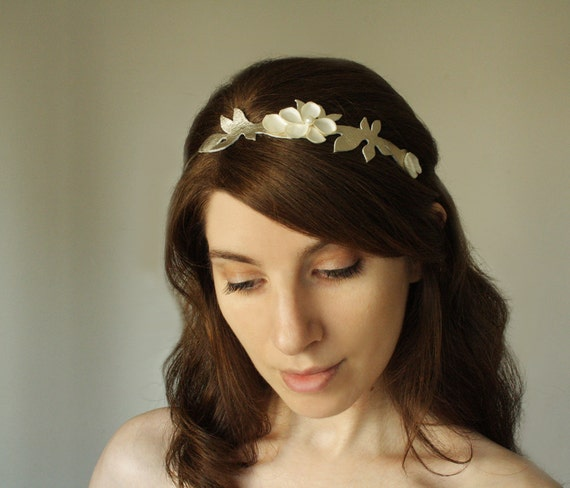 TITANIA - gold twig and ivory flower head piece