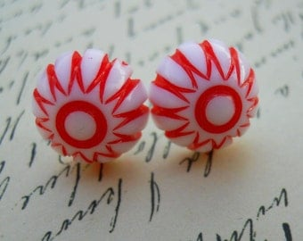 Vintage Mod Retro Domed Stud Earrings in Peppermint Patty Red