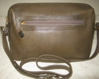 Vintage Liz Claiborne Handbag green leather Classy Shoulderbag Purse Fall Winter Color Retro Stylish