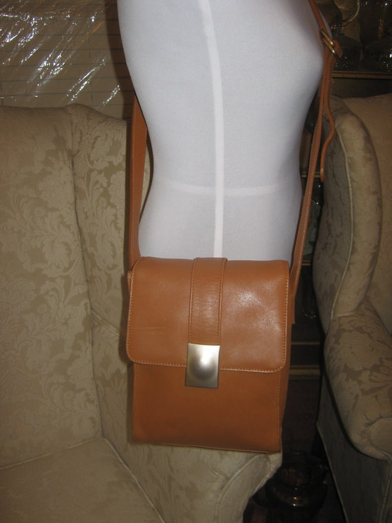 Vintage Americana By Sharif Leather British Tan Shoulderbag Crossbody Style Rustic Retro