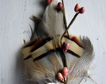 BERRY HARVEST Boutonniere