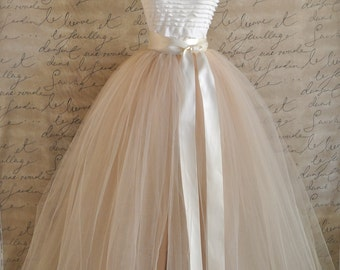 Full length tulle skirt. Lined tulle skirt in champagne  for women. Wedding tulle skirt Maxi skirt Women's tulle long skirt Adult tutu Bride