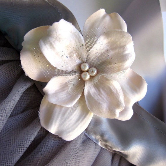 Blush pink and silver mini flower girls clip/pin-- pearls and tulle accents. For little sister . Photo prop.