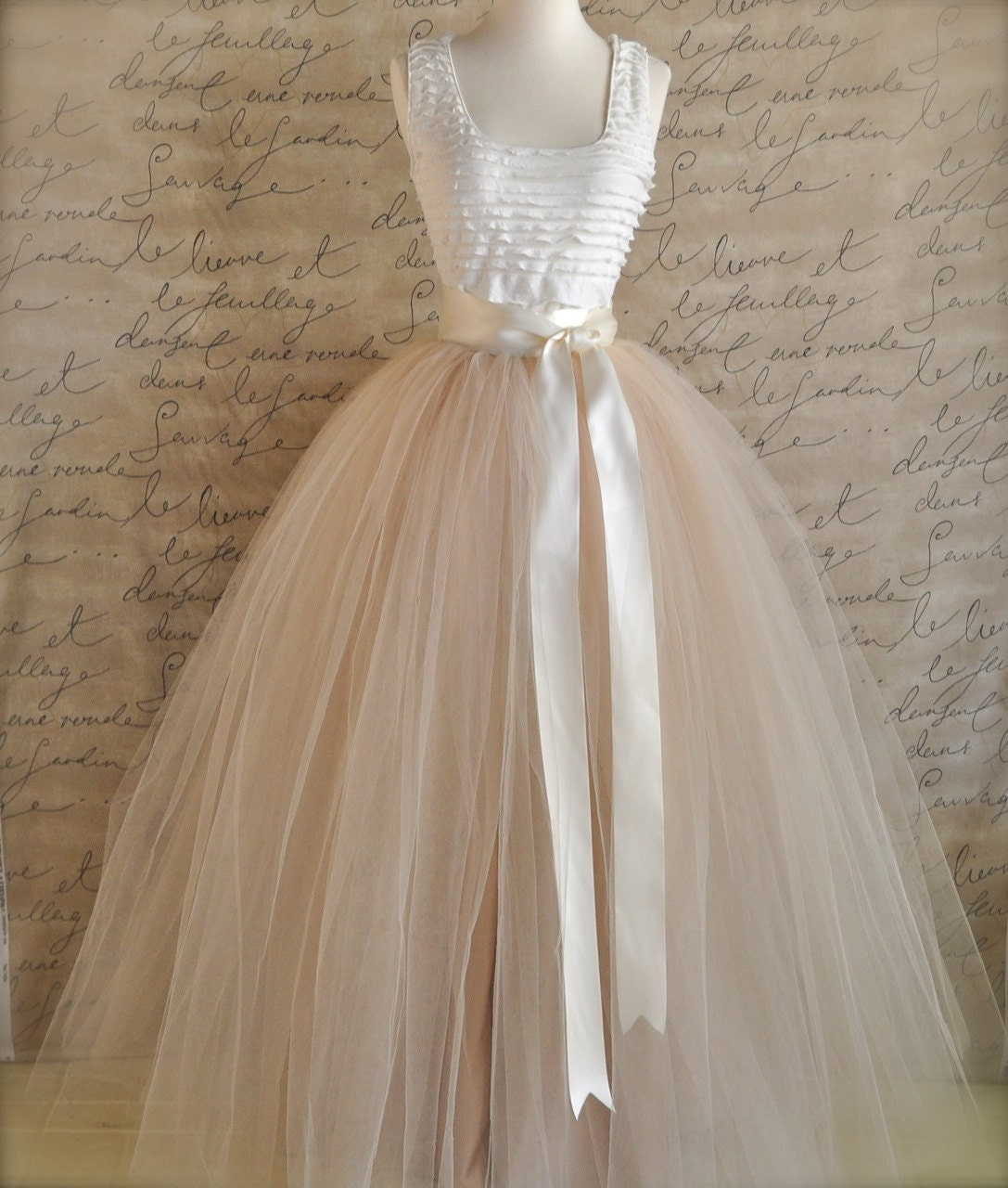 Vintage Wedding Dresses Usa: Full Length Champagne Tulle Skirt. Champagne Tulle Lined In